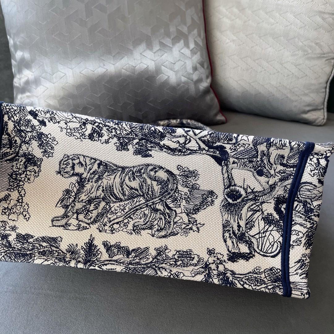 DIOR 购物袋 蓝•老虎 小号/36.5cm 蓝色茹伊印花 彰显精致外观