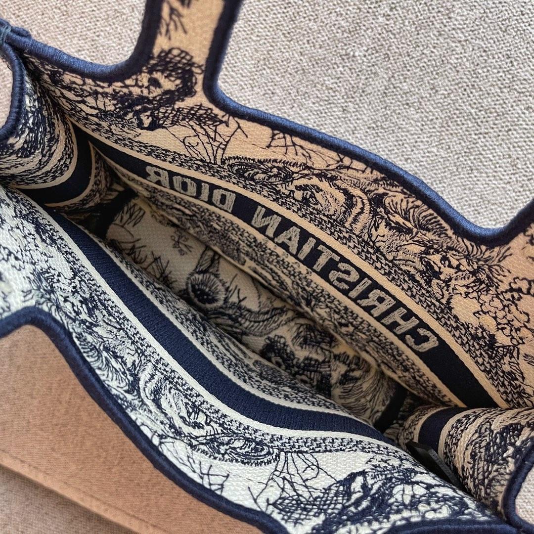 Dior 2021 迪奥 购物袋 mini/22cm 蓝老虎 迷你版型-通体饰以蓝色刺绣