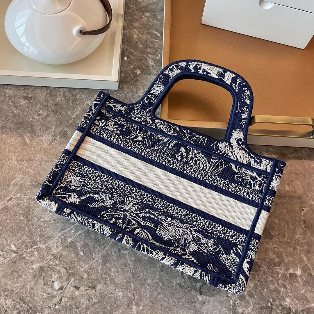 Dior 2021 迪奥 购物袋 mini/22.5cm 新蓝老虎 茹伊印花 标志性图案 突显反色效果