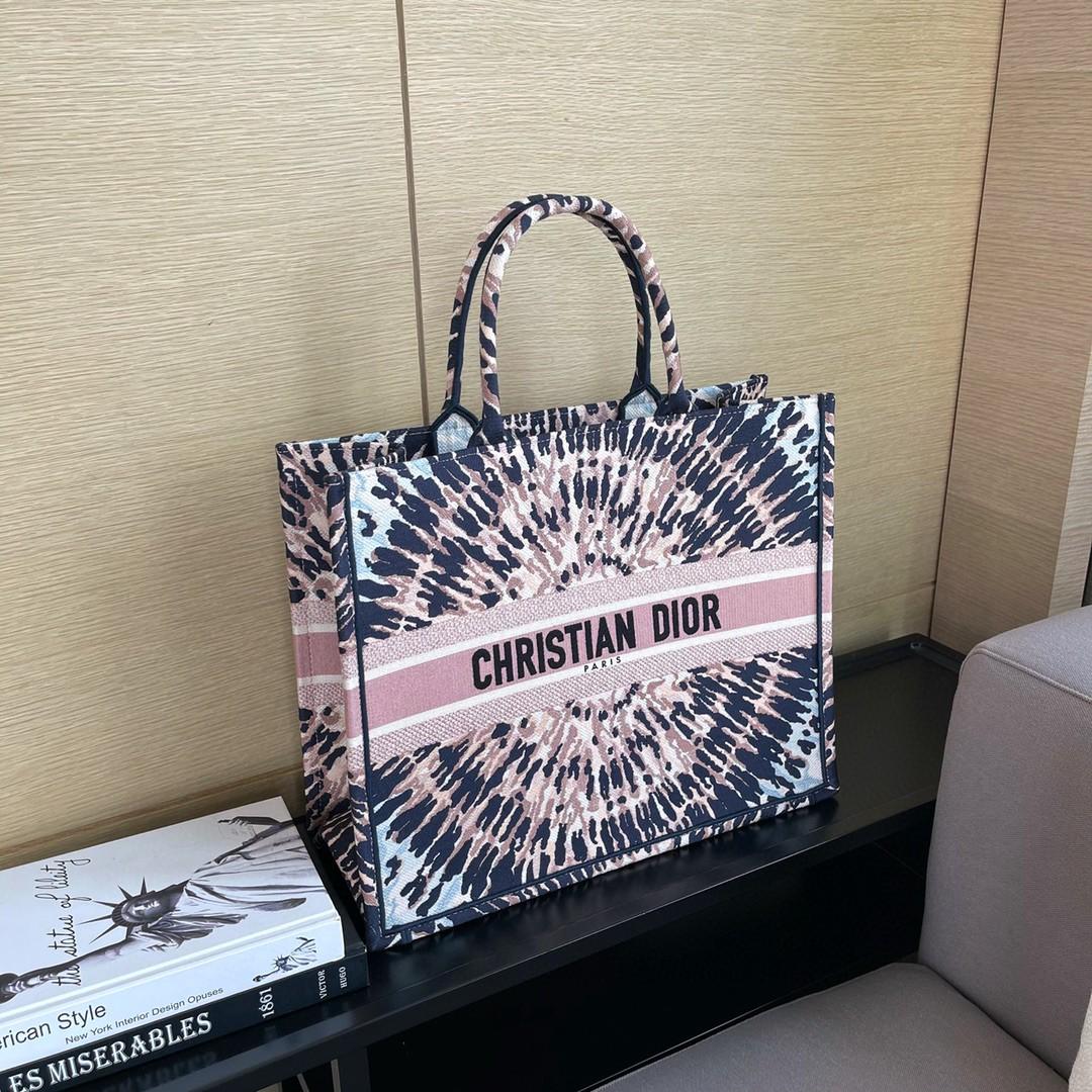 DIOR 迪奥 购物袋 万花筒  柔和色彩流露优雅气质