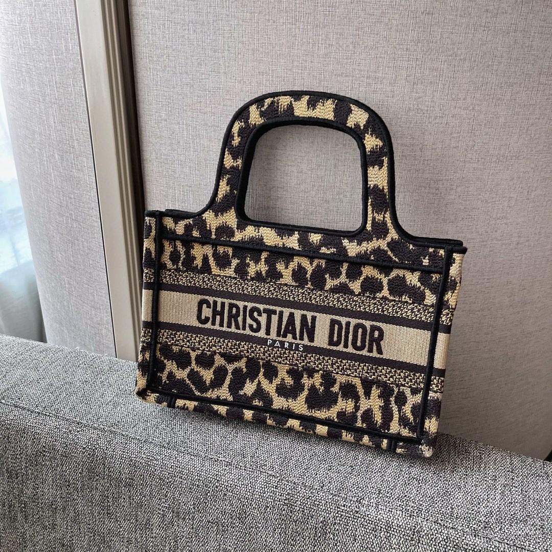 Dior 迪奥 购物袋 mini/22.5cm 豹纹图案,灵魂刺绣