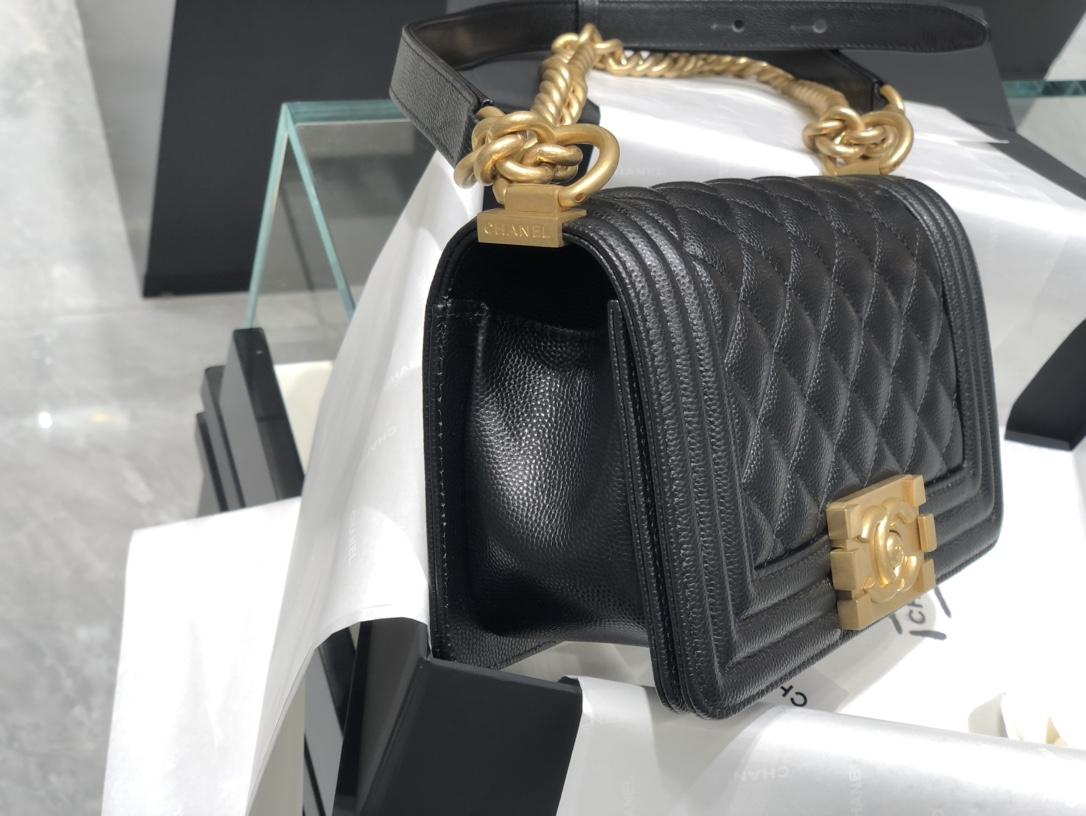 Chanel{真品级}Chanel  Leboy小号 黑金 经常断货的一款 每个女人都值得拥有的经典款