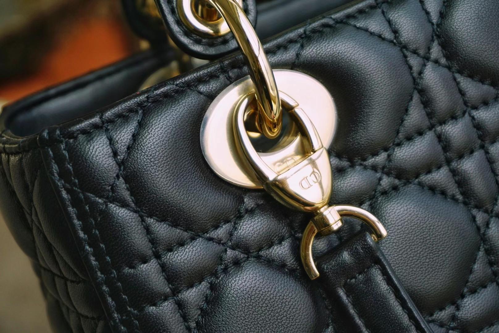 Dior 迪奥 五格/24cm 小羊皮 黑色 金扣 戴妃包 Lady Dior