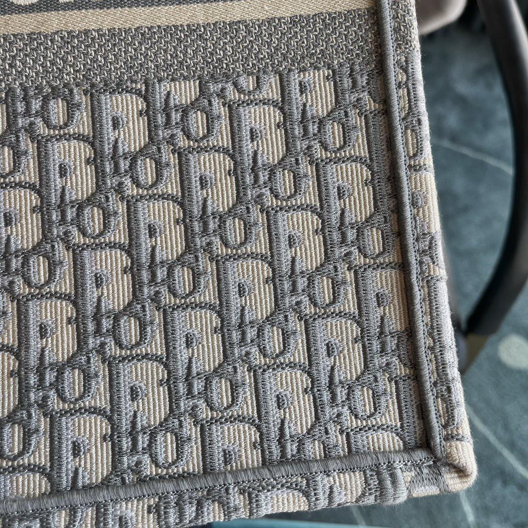 DIOR迪奥 购物袋 购物袋 布纹灰 大号/41.5cm 实用性强大 容纳满分