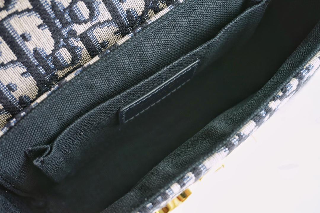蒙田包 老花迷你盒子包  18.5cm,宽肩带的帅气  真的无法代替 可A可休闲