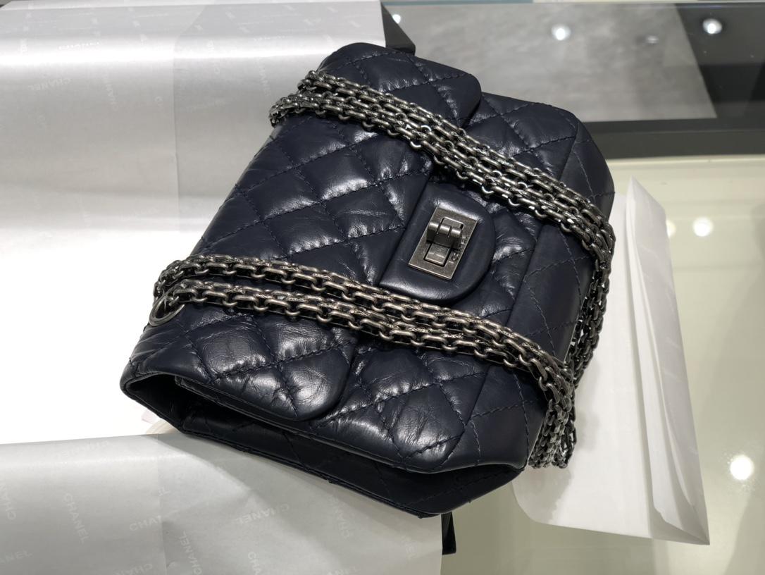 香奈儿 Chanel  2.55mini  宝蓝古银  对这种mini的包包都是毫无抵抗力经典百搭