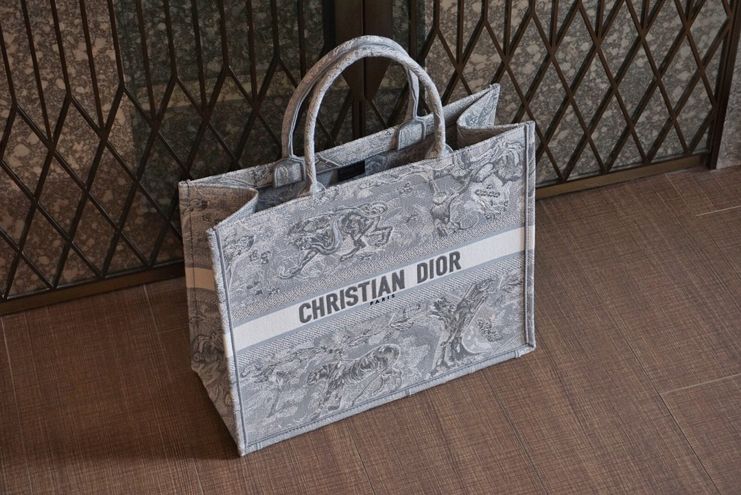 Dior 迪奥 购物袋 新灰老虎 大号/41.5cm 饰以灰色刺绣Reverse茹伊印花