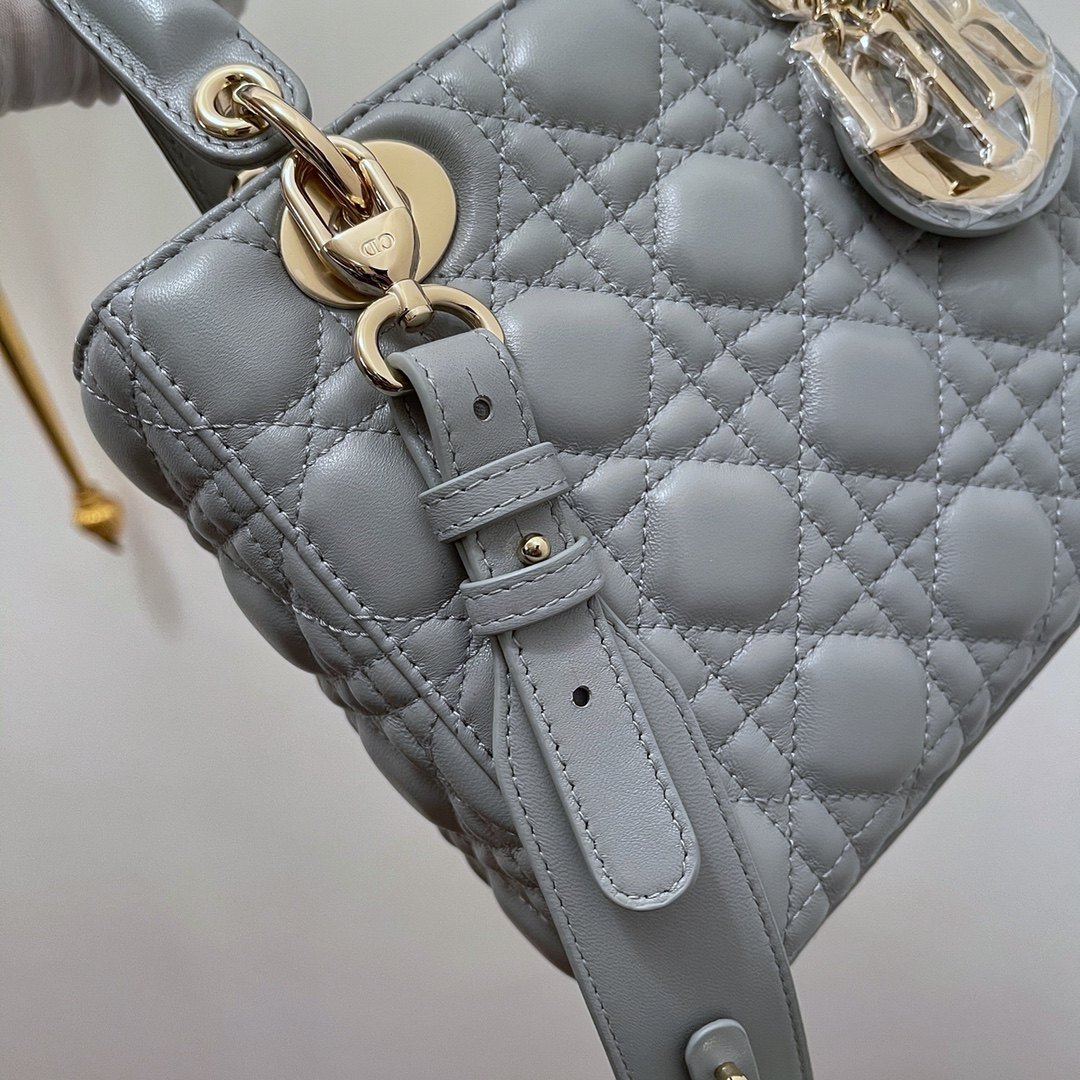 Dior 迪奥 四格 20cm 灰羊金 戴妃包 Lady Dior