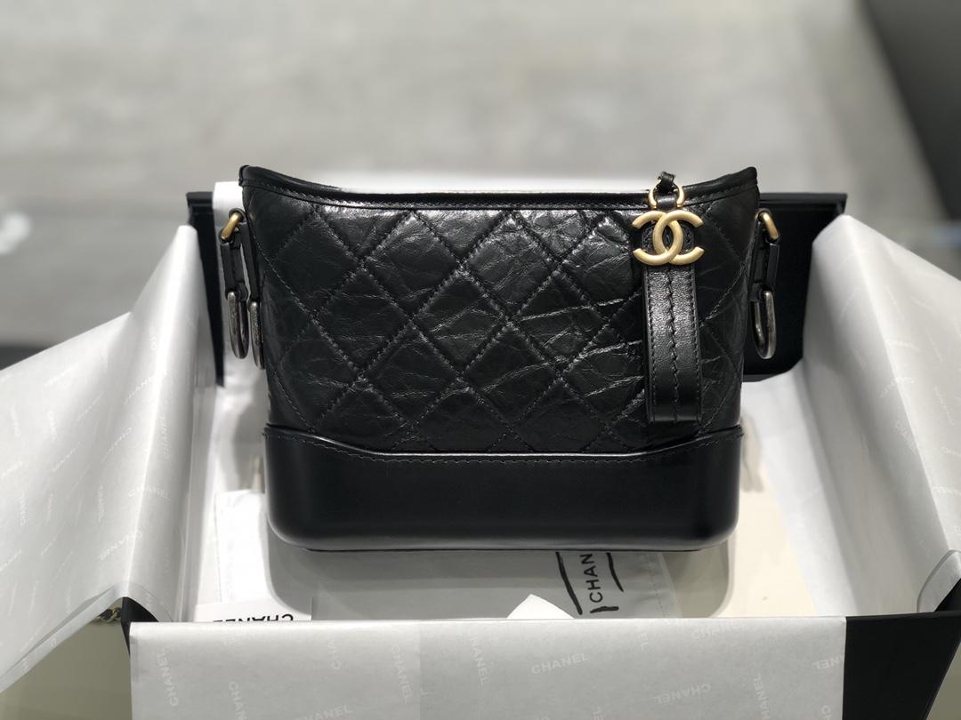 香奈儿 Chanel  流浪包经典黑 超级好搭配不挑人 女生必备的一款