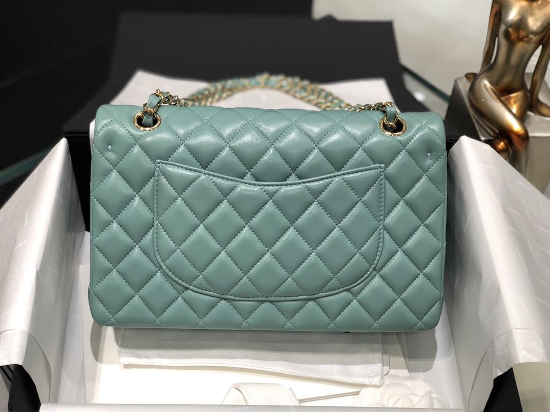 Chanel CF中号 一见钟情的薄荷绿  特别清爽的颜色  容量大 进口原厂小羊皮 皮质非常柔软 尺寸25Cm
