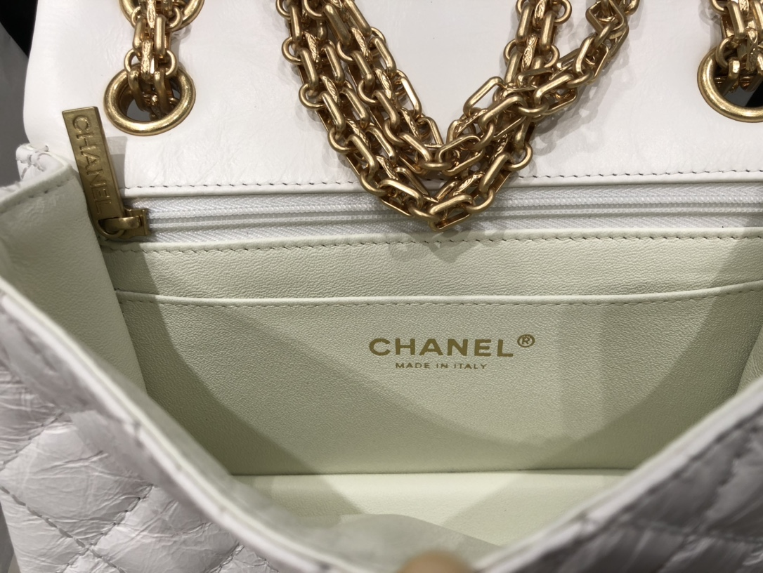 香奈儿 Chanel  2.55mini  奶白色超好看原厂进口皮料 原厂配件 《真品级》