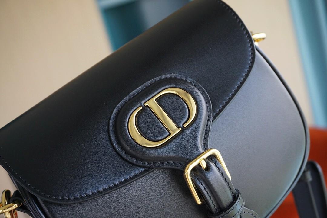 Dior 迪奥 Bobby 小号/18cm 黑色 别具一格的时尚魅力~