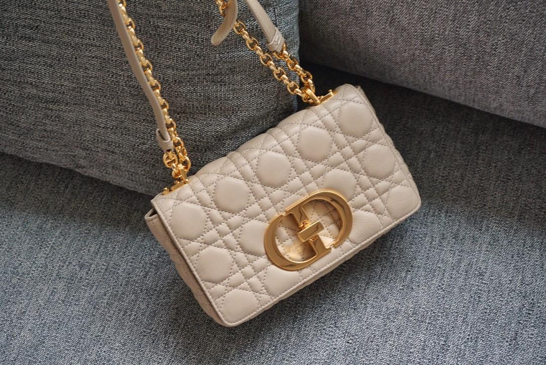 Dior 迪奥 Caro手袋 柔软牛皮 米色 结合典雅气质与现代风范