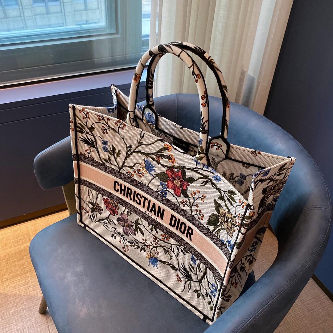 Dior 迪奥 购物袋 BOOK TOTE 购物袋 月季花 41.5cm  出游 逛街 度假  自然形成一道风景线