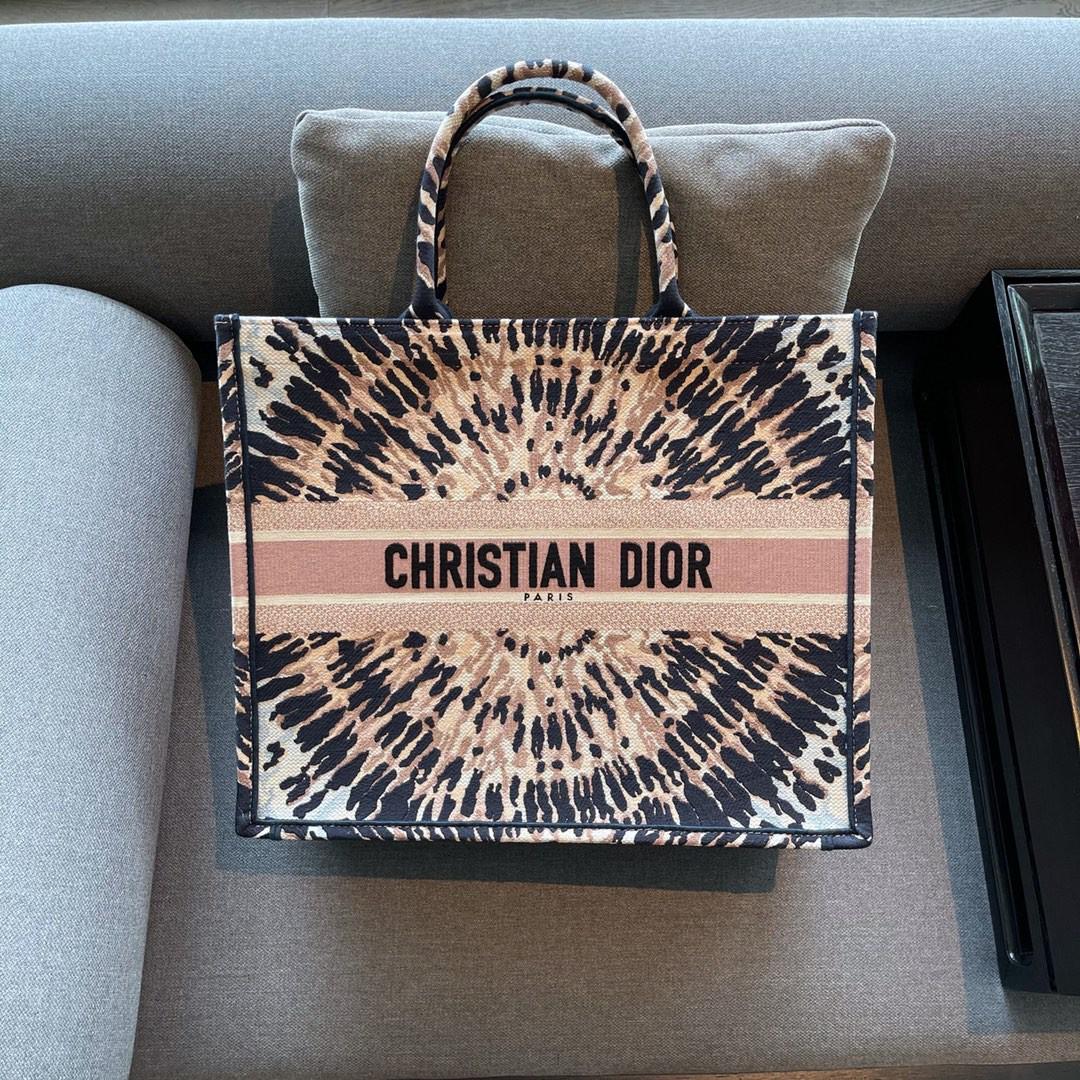 Dior 迪奥 购物袋 BOOK TOTE 万花筒 造型独特 艺术复古