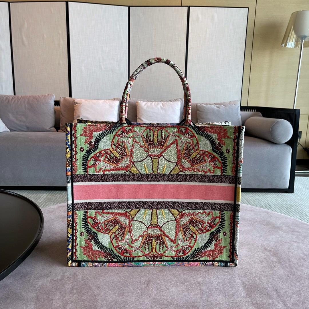 Dior 迪奥 购物袋 BOOK TOTE 购物袋 太阳花 梦幻般设计元素~