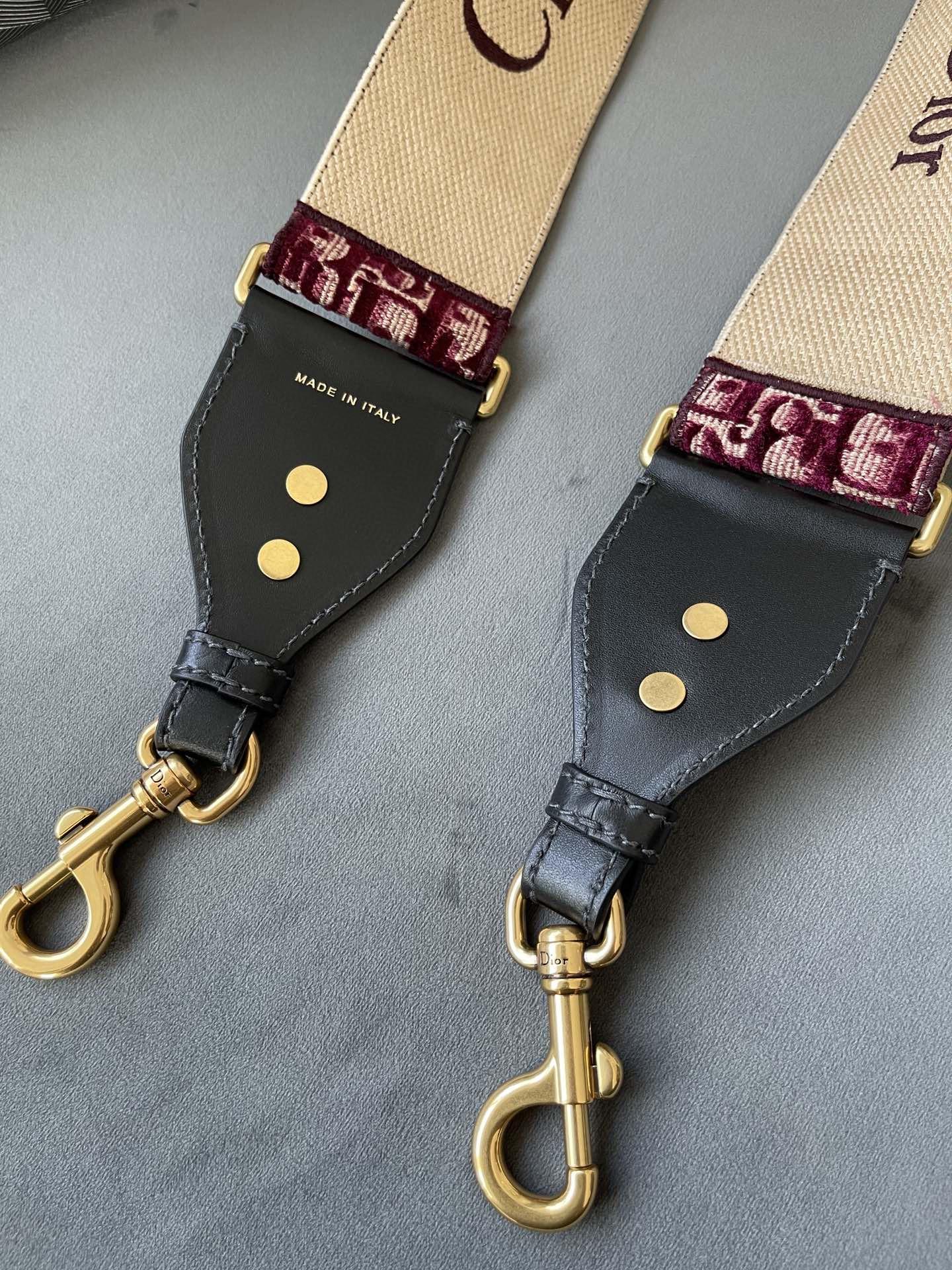 Dior 迪奥 丝绒红肩带 丝绒材质 高级简约