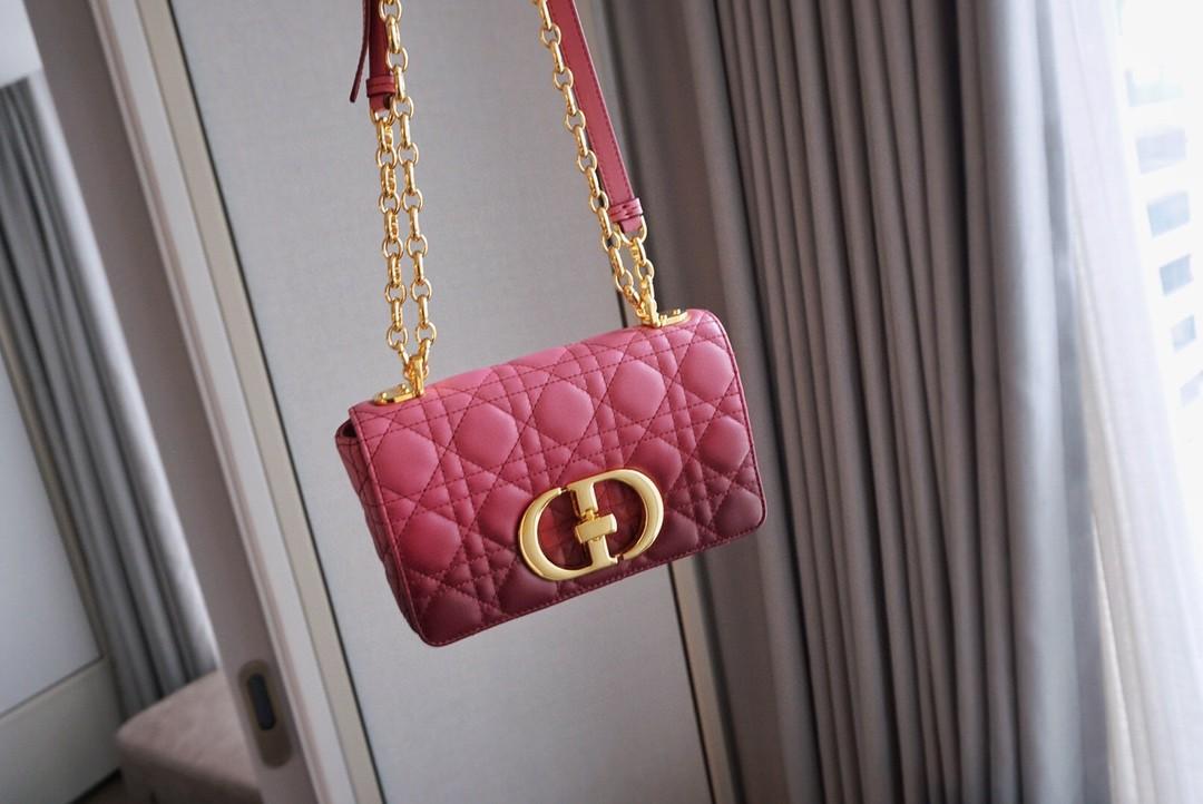 Dior 迪奥 Caro手袋 羊皮渐变色 梅子红 点缀日常造型