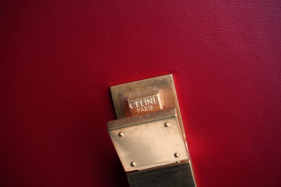 Celine 思琳 Box 豆腐包 18.5cm 罂粟红  手拿 单肩 斜挎 都很不错  手搓纹牛皮 耐磨耐造