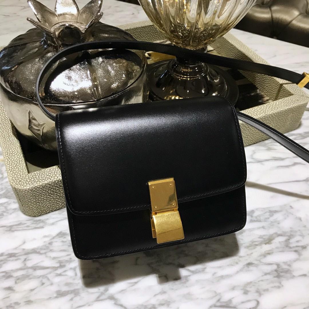 Celine 思琳 Box豆腐包 小号/16cm 黑色 金扣更显复古,出街神器